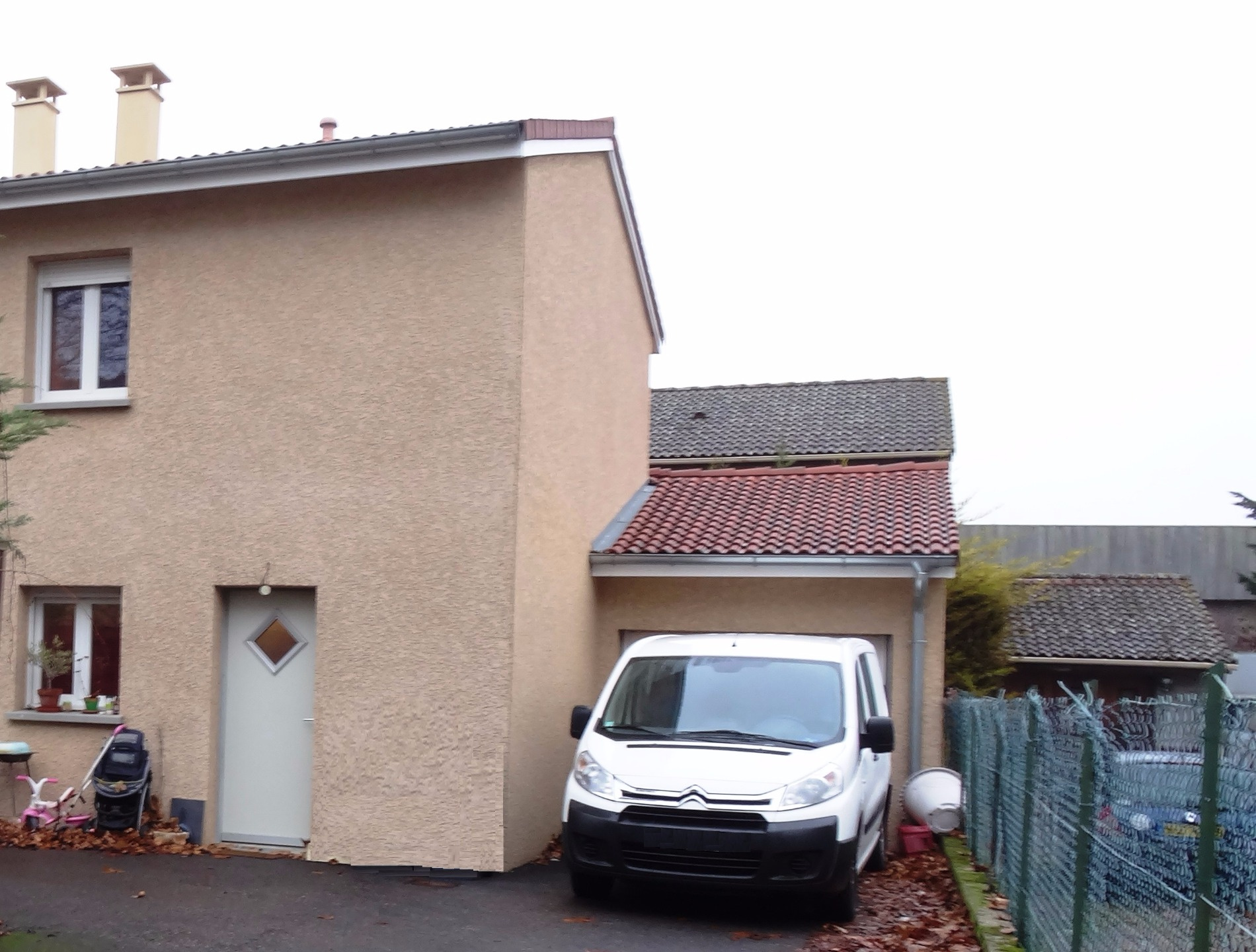 Annonce vente appartement vaulx en velin 69120 56 m for Garage pneu vaulx en velin
